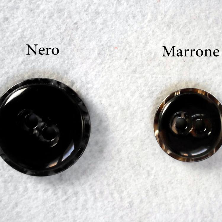 Bellissimo bottone in resina  a due componenti