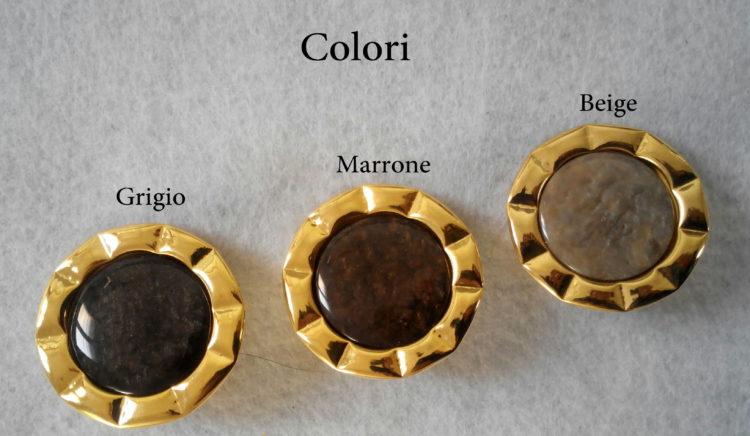 Bottone dorato in metallo