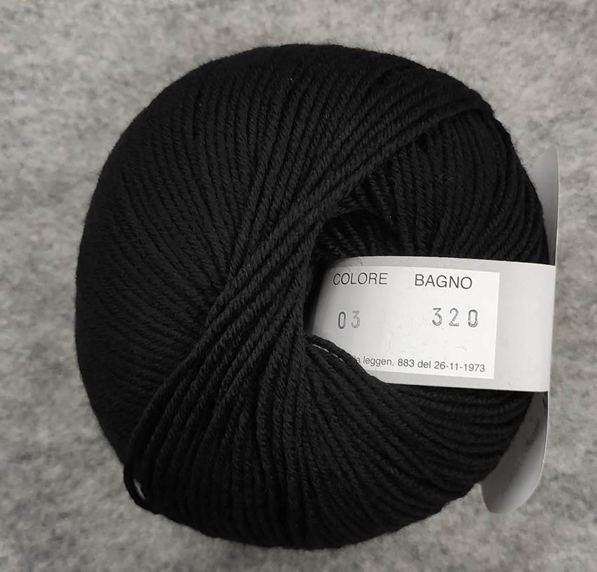 Gomitolo lana merinos cinque capi col. nero