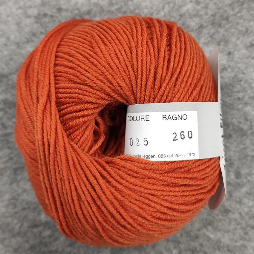 Gomitolo lana merinos cinque capi col. 25