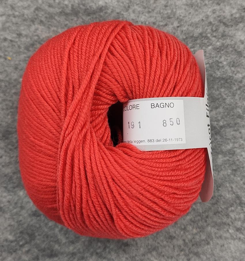 Gomitolo lana merinos cinque capi col. 191