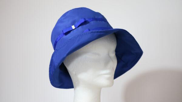 Cappello da pioggia Blu con fiocchetti