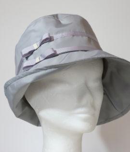 Cappello da pioggia Grigio con fiocchetti