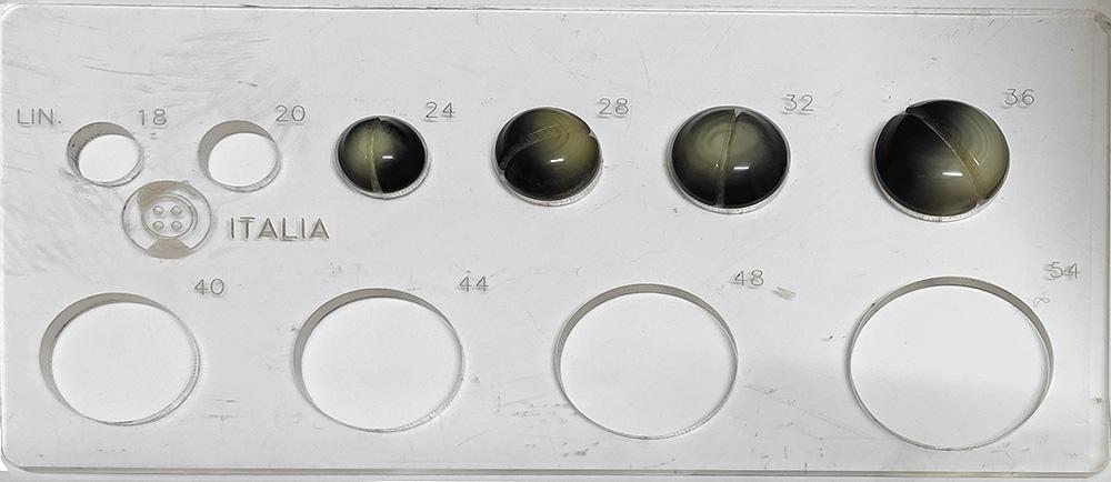 Bottone grigio V1078